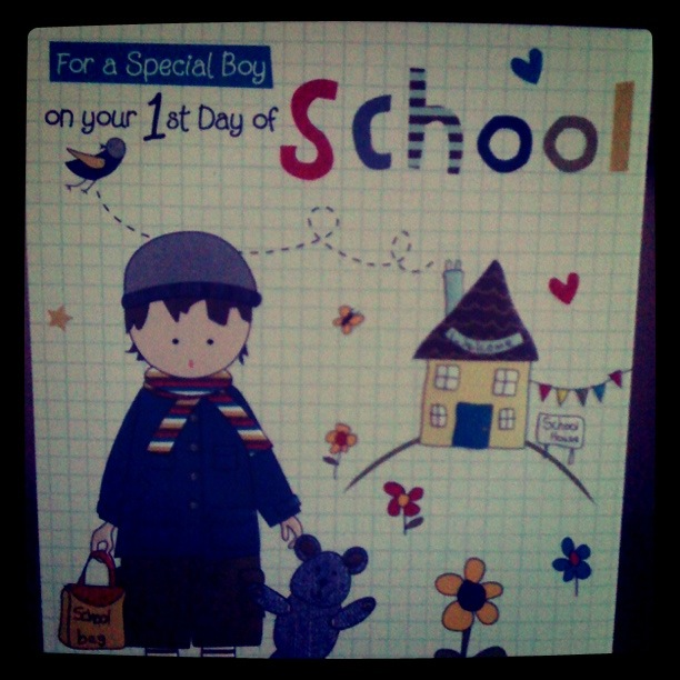 short essay on my first day at school The first day of school has the biggest impact on the way a person will eventually turn out in the future many events have happened in my life long ago, some forgotten, and some i still distinctly remember.