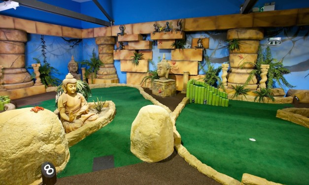 Paradise Island Adventure Golf – Cheshire Oaks