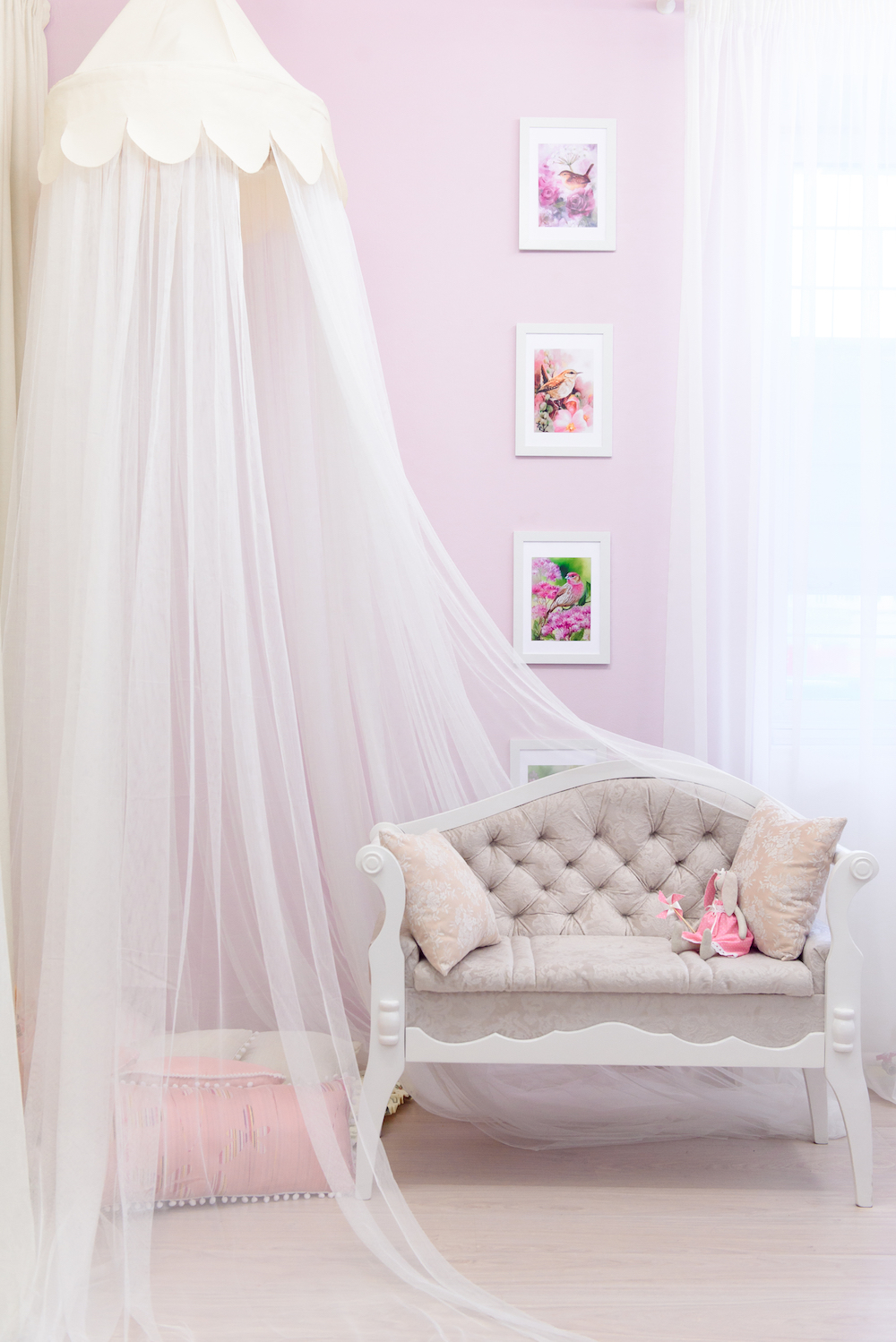 A princess canopy bed is every little girl's dream