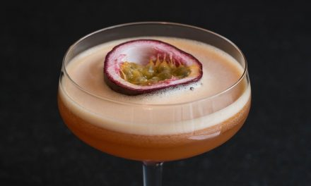 The Perfect 'Passion Fruit Martini'