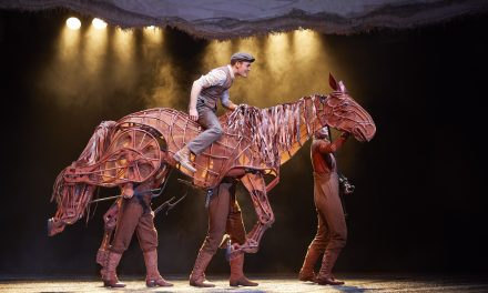 War Horse Gallops Back On Stage At The Lowry