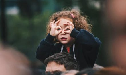 HOW TO TELL IF YOUR CHILD HAS A SIGHT PROBLEM
